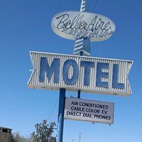 Belle-Aire Motel logo