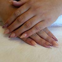Sheila's Elegant Hair & Nails logo