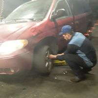 Loredo Tire Shop logo