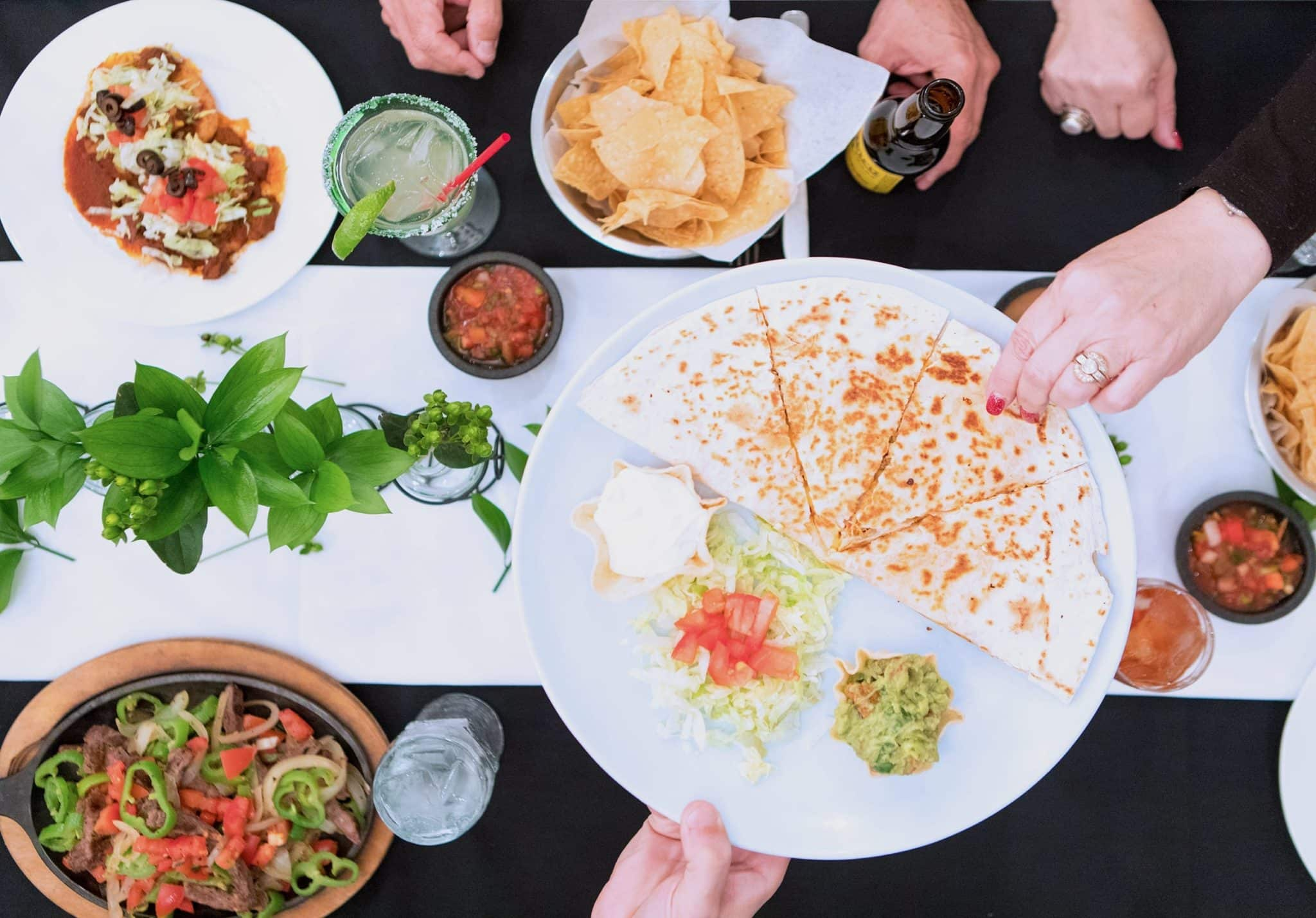 Serranos Mexican Food Restaurants logo